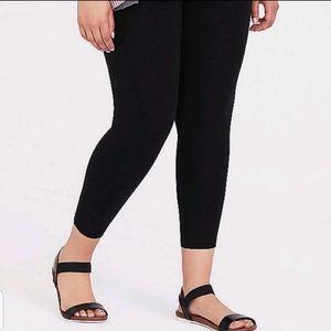Torrid Premium Crop Leggings - Size 2